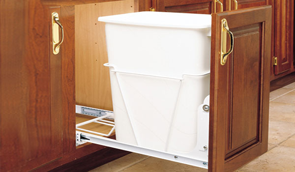 Single Pull-Out Waste/Recycling Bin